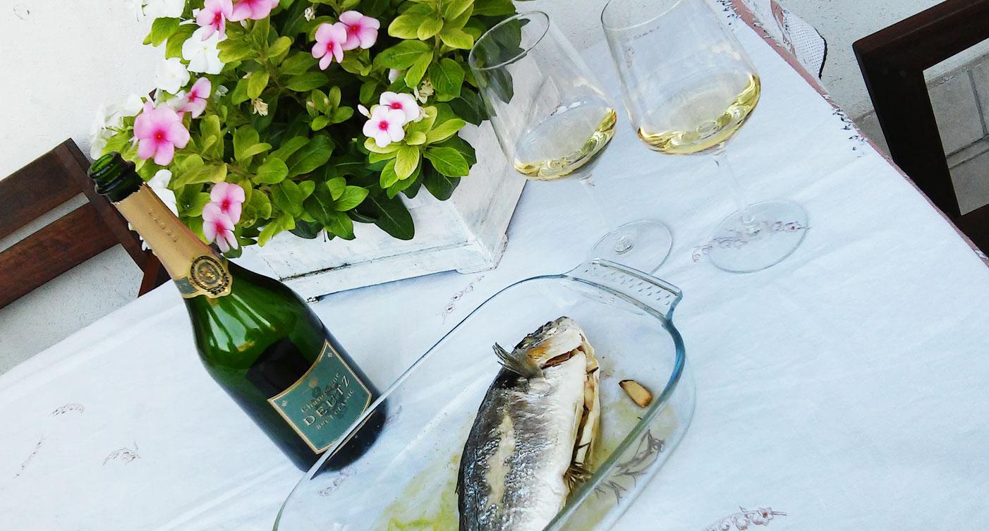 <a href='http://www.vinamour.it/le-ricette-di-vinamour-orata-al-forno/'></a>