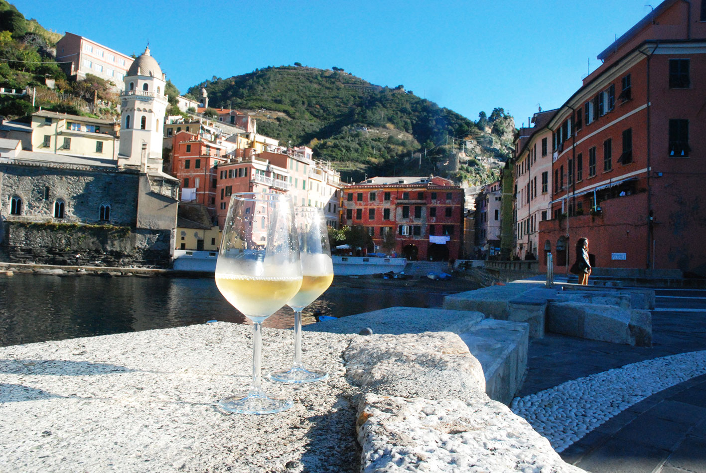 <a href='http://www.vinamour.it/burgus-wine-bar-a-vernazza/'></a>